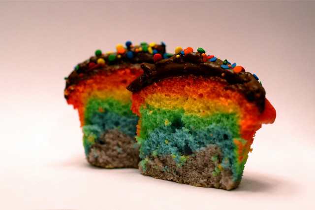Rainbow cupcakes by Trebz